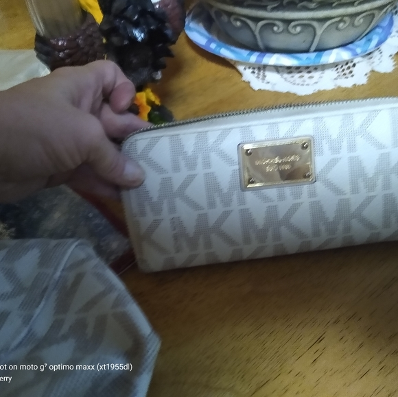 Michael kors matching big purse an wallet reposh